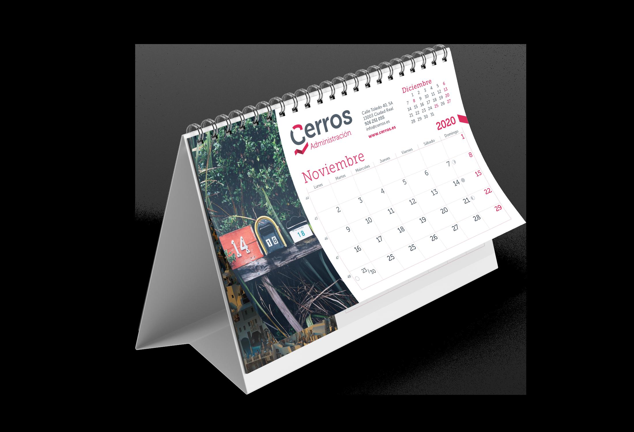 Desk_Calendar_Mockup_3